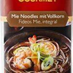 Wok de verduras y gambas noodles